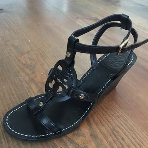 Tory Burch Edna black leather wedge